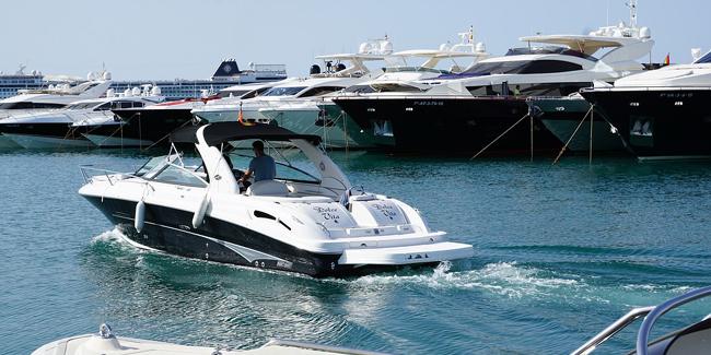 Combien ça coûte de passer son permis bateau : conseils et explications !